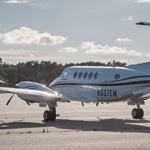 Eine King Air B200 mit dem Kennzeichen N537EM auf dem Zivilflugplatz in Nordholz. Aktuell steht die Maschine zum Verkauf, für 1,22 Mio €