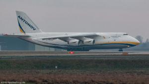 Antonov 124 UR-82009