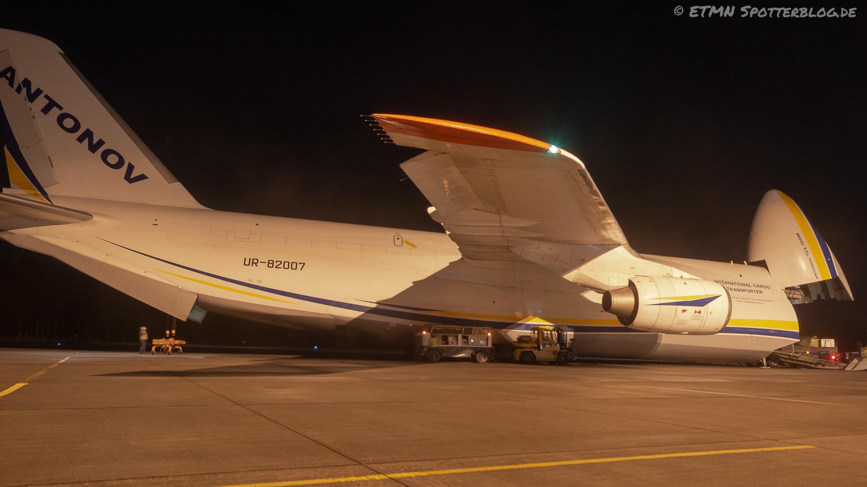 Antonov 124-100M